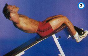 fitness-oefening decline crunch-2