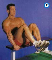 fitness-oefening seated knee-up-2